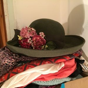 92396f3350e Vintage Olive Green Wool Hat W  Flowers